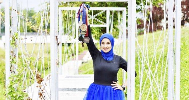 EFOMW nudzejma hijab maraton
